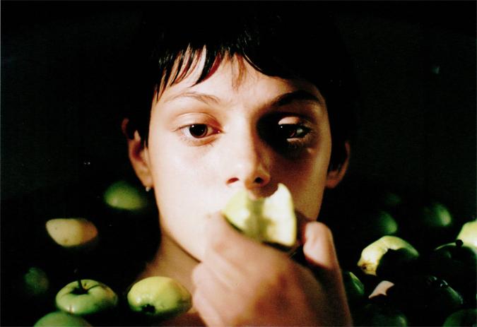 Klára Issová in Indiánské léto (1995)