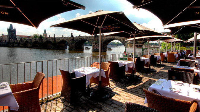 photo0.jpg - Picture of Celebrity Cafe, Prague - TripAdvisor