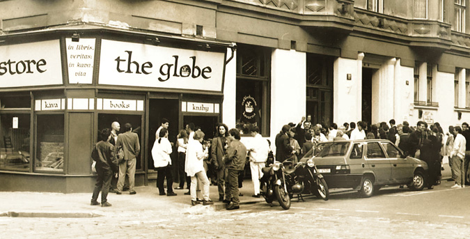 The Globe Bookstore & Café opening party,1993