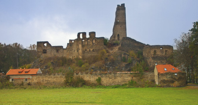 The medieval ruins of Okoř
