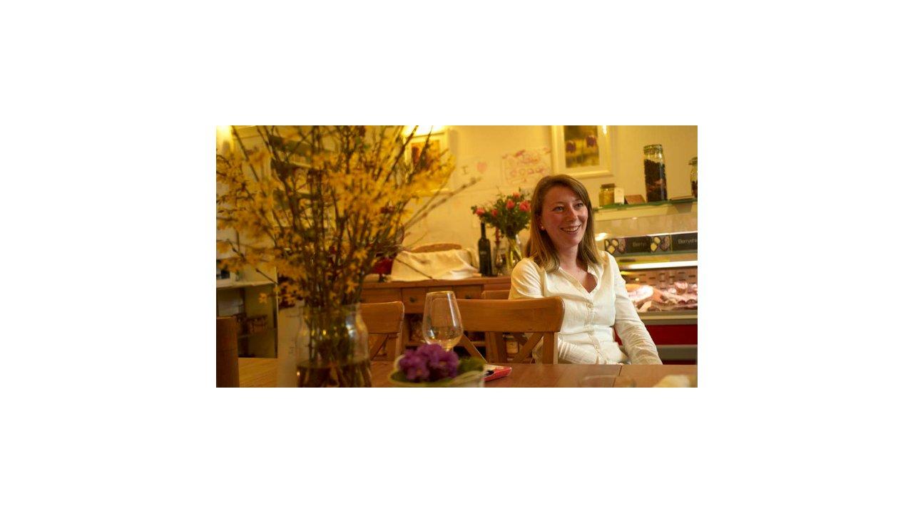 For Foodies: Food Adventure Deli & Diner