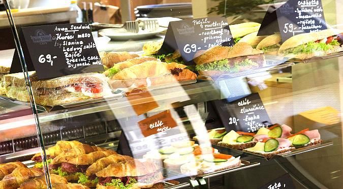 Café Review: Avion Street Café