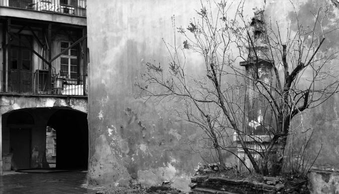 Courtyard in Lesser Quarter 1991/92