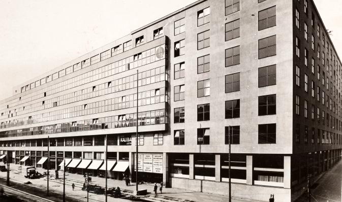 Facade, 1930s