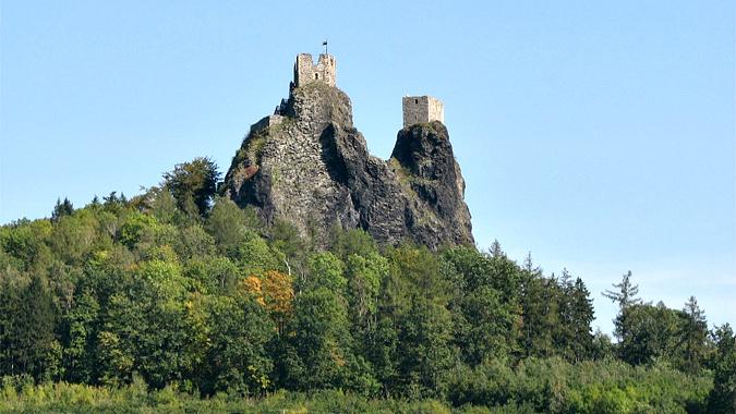 Photo: www.hrad-trosky.eu