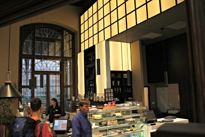 Hlavní Nádraží Café Recreates Golden Age