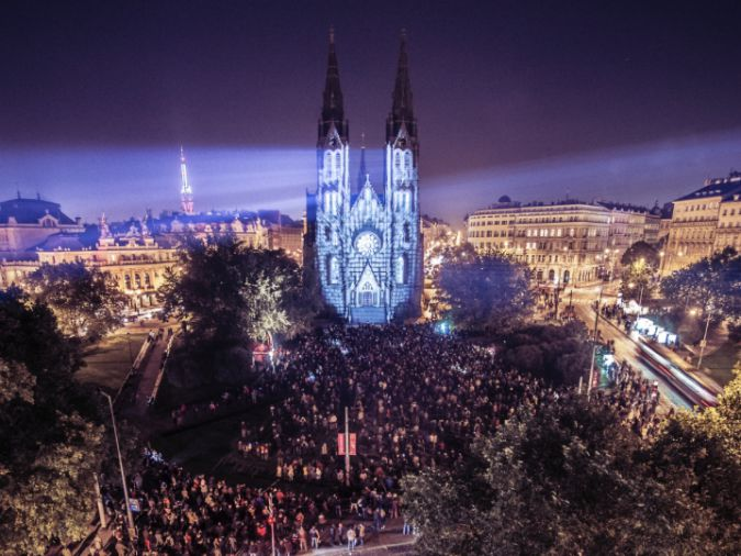 , 6 Amazing Autumn Laser Music Nights, Expats.cz Latest News & Articles - Prague and the Czech Republic, Expats.cz Latest News & Articles - Prague and the Czech Republic