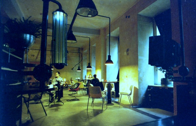 Theater salon, 2002