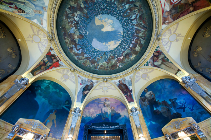 Murals by Mucha on the ceiling of Obecní dům. Image: Wikimedia Commons / Jorge Royan