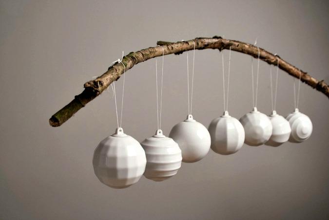 Minimalist Christmas balls by NAJLETO