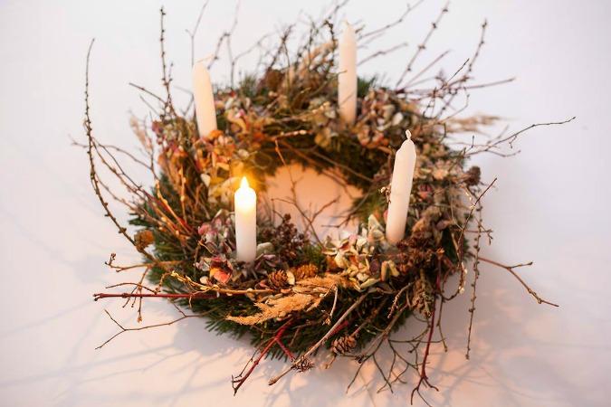 Wildflower advent wreath by Plevel +