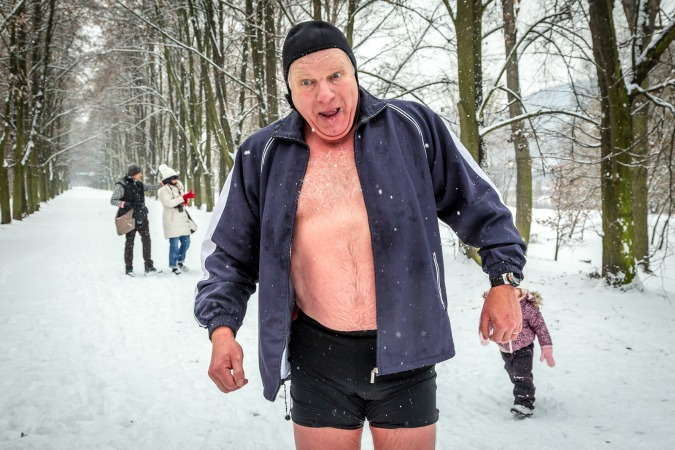 PHOTOS: Brrr! First Dip Of the Year for Prague Tough Swimmers' Club