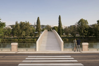 Footbridge linking Holešovice and Karlín takes a big step forward