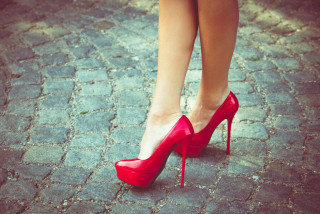 Ditch the killer high heels for good says a groundbreaking new Czech study