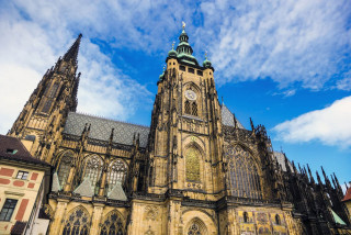 Woman asked to leave Prague's St. Vitus cathedral for breastfeeding