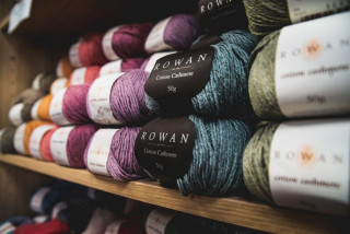 A new place to unwind in Prague: Yarn Queen in Vinohrady open its doors