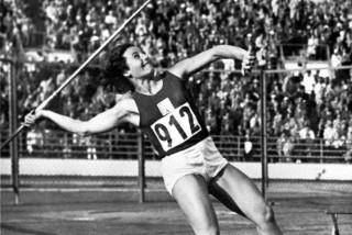 Legendary Czech javelin thrower Dana Zátopková dies aged 97