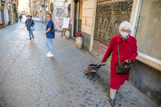 Only seniors over 65 will be allowed in Czech shops from 10:00 - 12:00 during coronavirus quarantine