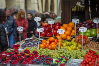 Czech government votes to reopen farmers markets from April 20