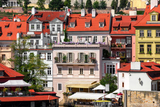 Airbnb 2.0 and suburban migration: Six expert predictions for the Prague real estate market