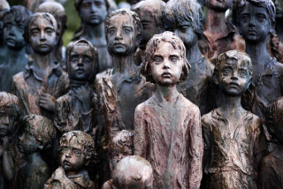 Memorial to the Children of Lidice in Lidice, Czech Republic / Wikimedia commons CC BY-SA 4.0