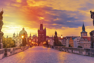 Come dine with Prague! 500-meter-long dinner table to be placed on Charles Bridge next week