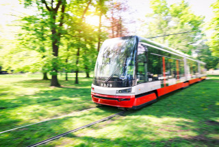 Prague Public Transit has yet to outfit more trams with air conditioning, blames COVID-19
