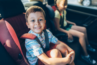 Prague's kid-friendliest taxi service ties shoes, zips up coats, and gets car seats right