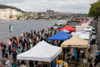 Despite recommendation from Prague's Crisis Staff, farmers markets still take place