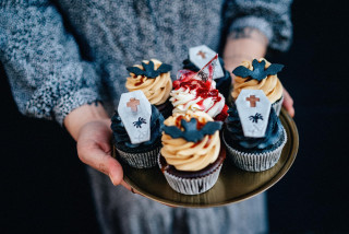 Crisis cocktails, cupcakes, and mac-n-cheese: Prague delivery services get creative