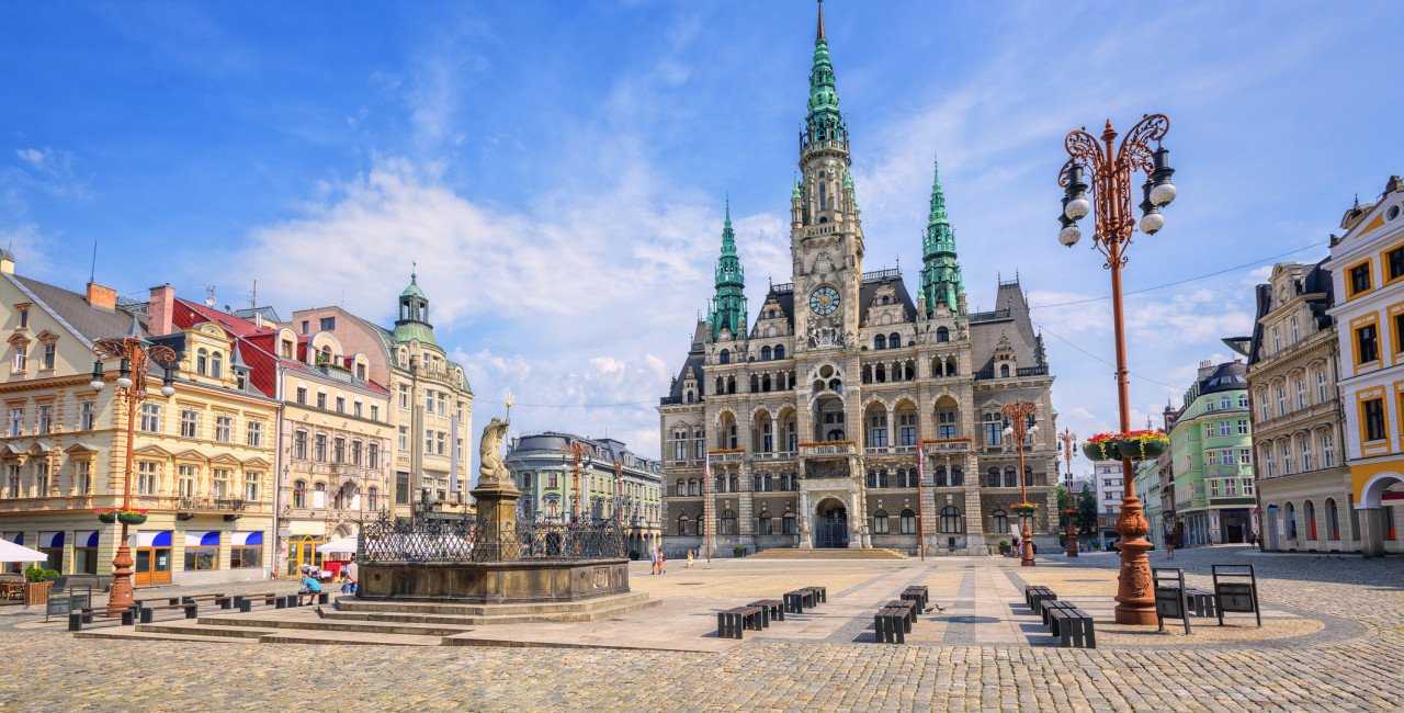 Gothic town hall and the spatious central square in Liberec, Czech Republic (photo / iStock - Xantana)