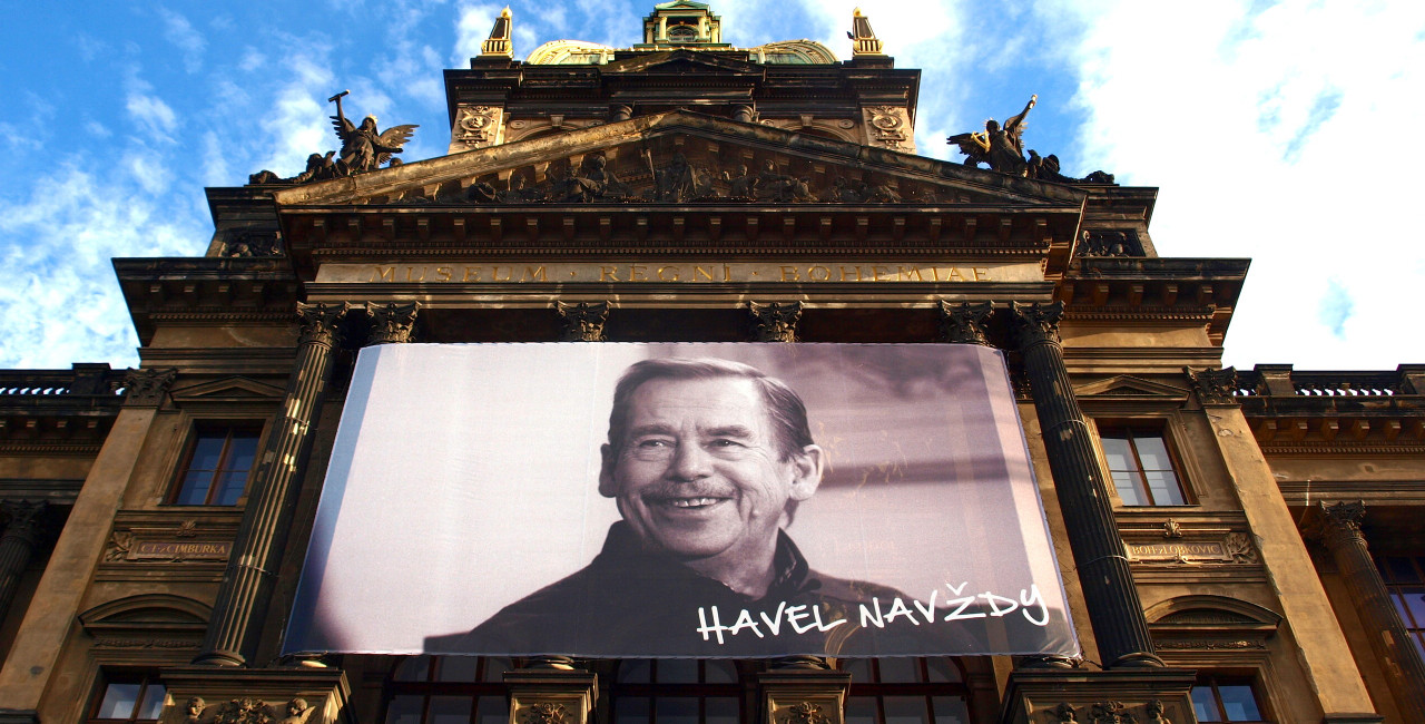 Vaclav Havel banner above National Museum Prague, VitVit via Wikimedia Commons, CC BY-SA 4.0