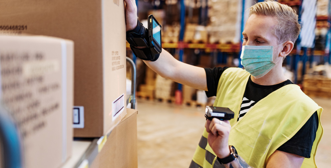 Warehouse and logistics companies hunt for part-time Christmas workers amid coronavirus shortage