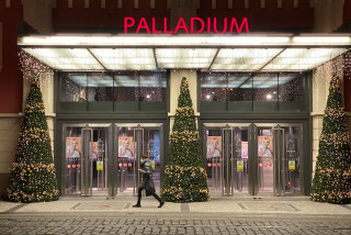 Blatný's Christmas present to Czechs: Shops could open Nov. 30