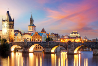 The place to be tonight: pop-up outdoor concert to take place under Charles Bridge