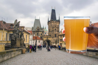Raise a pivo in protest: Czech pub owners to make beer-mug chain from Malá Strana to Old Town Square