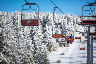 Time to hit the slopes! Czech ski resorts can open starting December 18