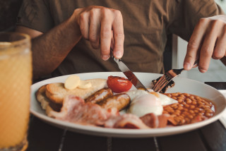 Fry-up for delivery: The 6 best places to order an English breakfast in Prague
