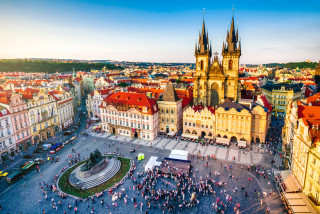 How many people live in Prague? About a quarter million more than are permanently registered