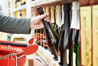 Czech household spend on alcohol among highest in EU