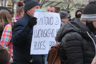 Two protests, one message: thousands rally against Czech COVID-19 restrictions through the weekend