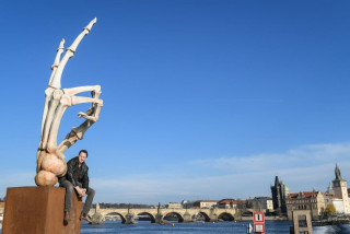 New open-air exhibition at Prague's Museum Kampa features giant skeletal hands