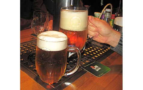 https://www.expats.cz/resources/beer-factory-6.jpg