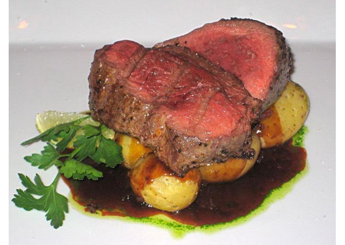 https://www.expats.cz/resources/bodeguita-steak-675.jpg