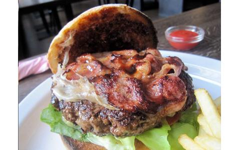 https://www.expats.cz/resources/burgers-2010-prague-003.jpg