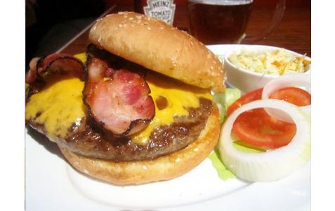 https://www.expats.cz/resources/burgers-2010-prague-013.jpg