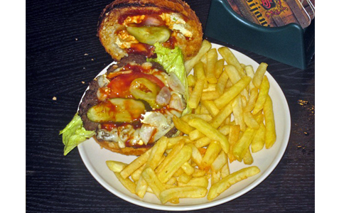 https://www.expats.cz/resources/burgers-2010-prague-018.jpg