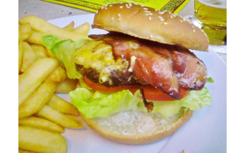 https://www.expats.cz/resources/burgers-2010-prague-019.jpg