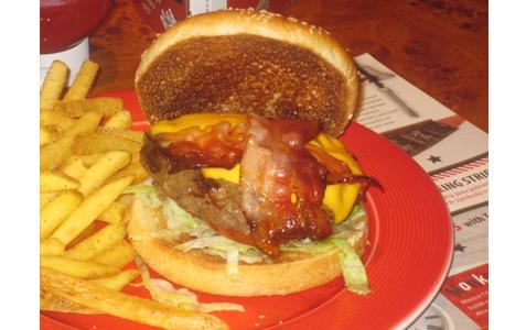 https://www.expats.cz/resources/burgers-2010-prague-020.jpg