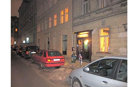 http://www.expats.cz/resources/ichnusa-1.jpg